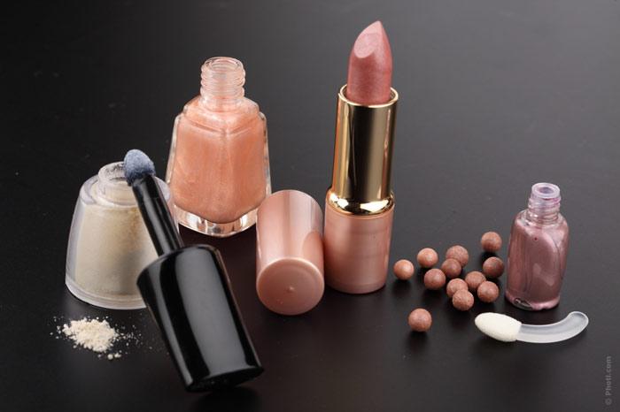 700-beauty-lipstick-makeup-nail-enamel-mascara